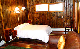 Slide Brook Lodge at Sugarbush: Room 6-7